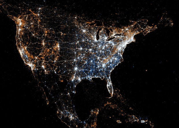 North American detail map of Flickr and Twitter locations by Eric Fischer, 2011