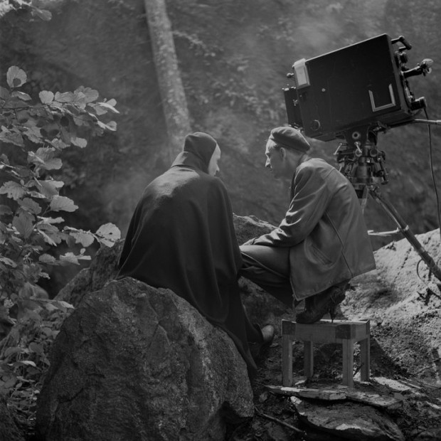 Bergman and Ekeroth discussing on the set of The Seventh Seal (photo by Louis Huch, c. 1956. © AB Svensk Filmindustri)