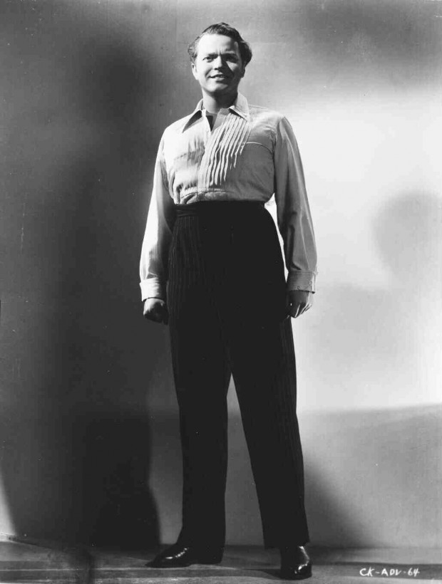 """""""Full publicity shot of Orson Welles as Charles Foster"""", 1941. Retrieved from Turner Classic Movies's archives."""