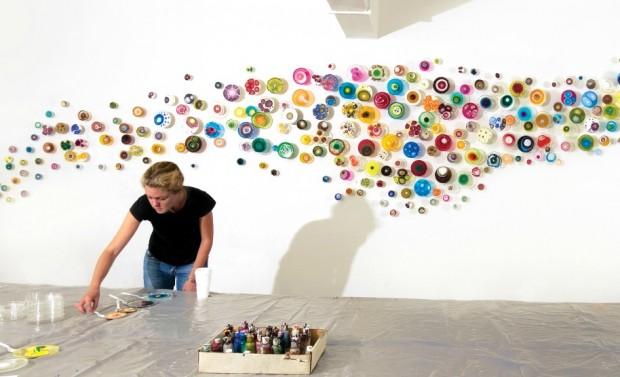 Image of artist Klari Reis working in her studio, 2010. © Klari Reis