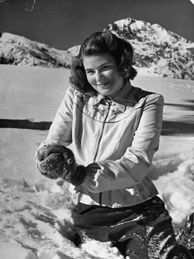 Ingrid Bergman prepares a snowball during a holiday break. Photo by Bob Landry for LIFE magazine, February 24, 1941, p. 46. © Time Life Pictures/Getty Images.