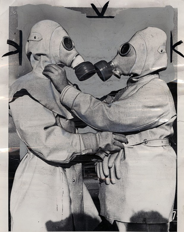 "New York Journal-American photographic morgue: ""Atomic Age Kiss?"" by International News Photo, published on December 1954. Rec. no NYJA000321. © The Ransom Center."
