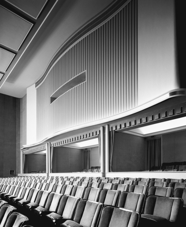 Stadttheater, by Karl Hugo Schmölz, Bad Godesberg, Zuschauerraum, 1952. Architekt Ernst Huhn. Image retrieved from damianzimmermann.de