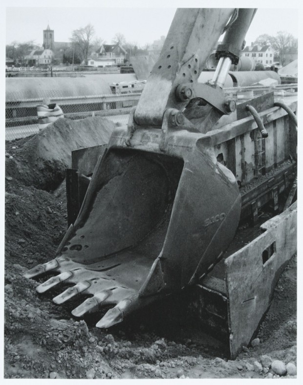 Undated, untitled photo of an excavator bucket by Richard Benson. Reproduced from Stephen Shore's book 'The Nature of Photograph' (1998: p. 9).