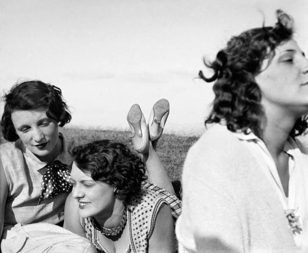 Bibi, Freddy, Margot. Aix-les-Bains, juillet 1928 © Photographie Jacques Henri Lartigue - Ministère de la Culture – France / AAJHL