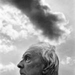 Jorge Luis Borges, photographed in Selinunte (Sicily, Italy) by  Ferdinando Scianna, in 1984. Magnum Photos no PAR310427. © Scianna/Magnum Photos