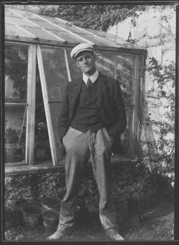 James Joyce, 1904