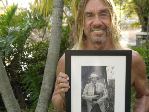 Iggy Pop with a photo of William Burroughs. Retrieved from Third Coast Festival.