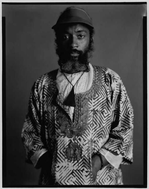Portrait of David Hammons by Timothy Greenfield-Sanders, September 2, 1980, in New York City. © Timothy Greenfield-Sanders. Image retrived from ARTNews.